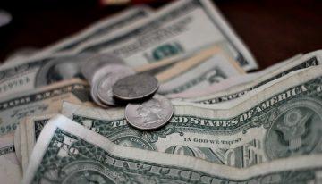 Средняя заработная плата в Чехии повысилась до 31 516 крон/мес